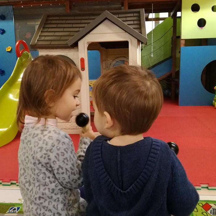 bambini al baby parking di Al Villaggio ASD