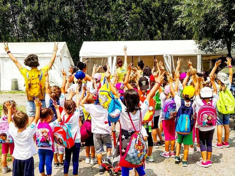 gita del camp estivo di al villaggio